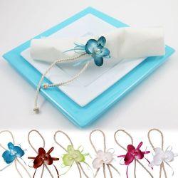 Une d coration de table parfaite pour votre communion fleurs de drag es - Deco de table serviette ...